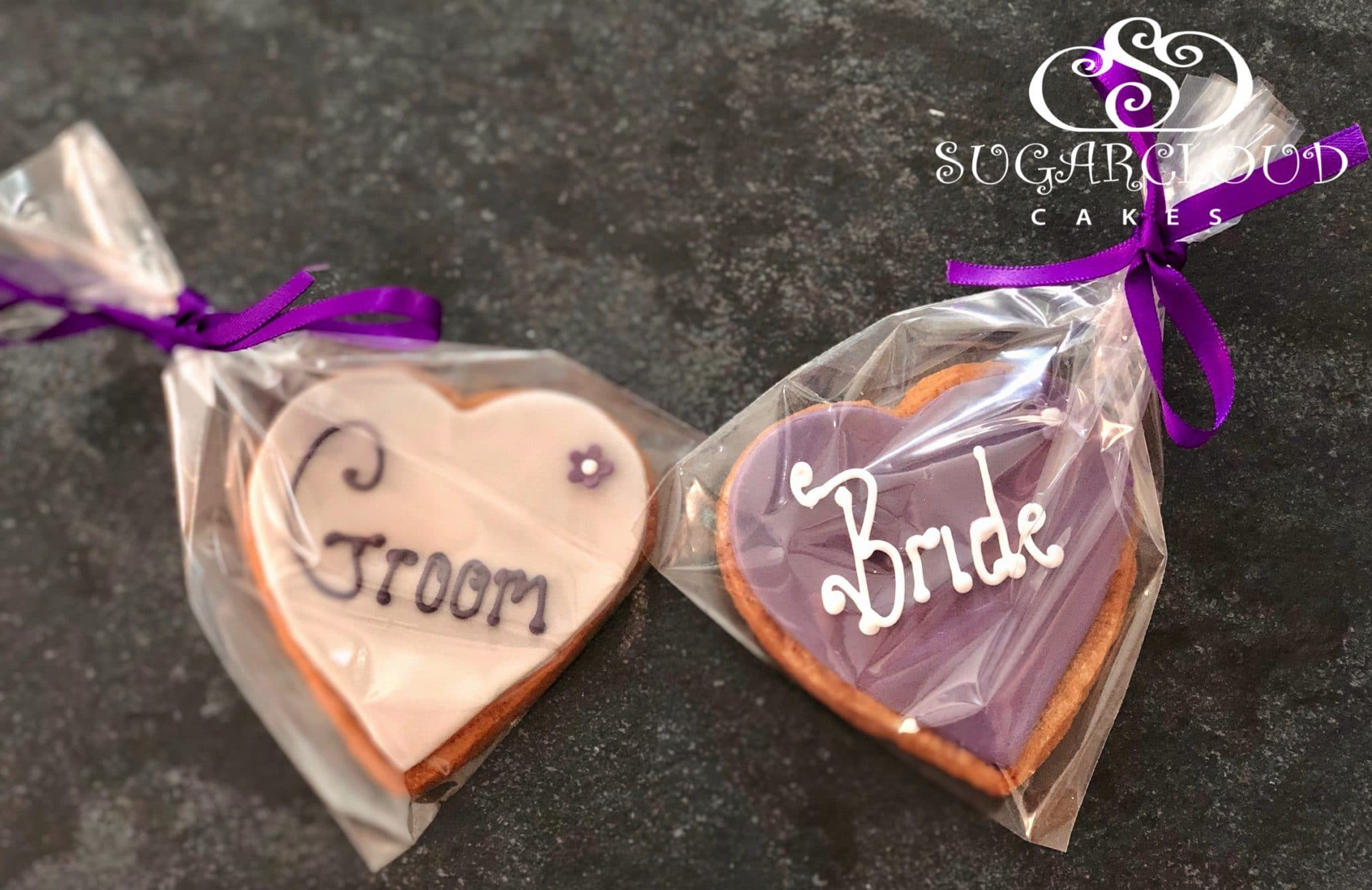 Gingerbread Wedding Favours that were also used as place cards on the tables